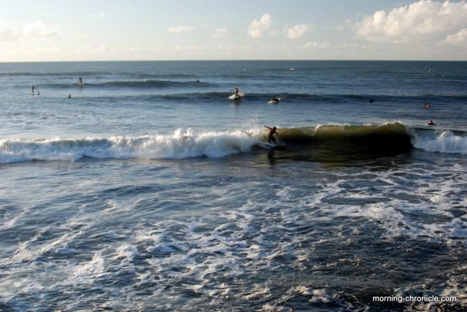 Surfeurs Tahiti