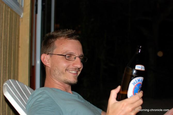 Bière et sourire locaux