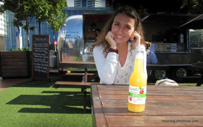 Jus de fruit ensoleillé à Auckland