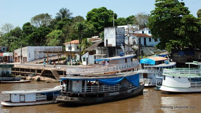Ville au bord de l'Amazone