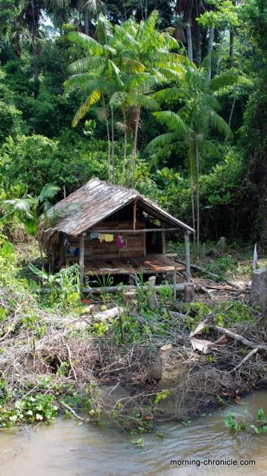 Habitation en bordure de fleuve